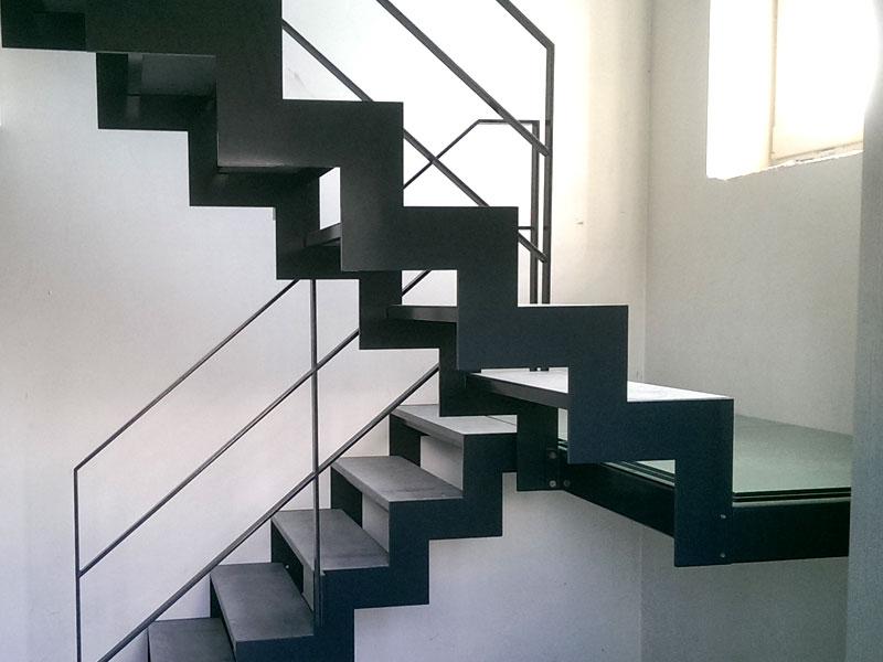 ferronnerie_escalier3.jpg